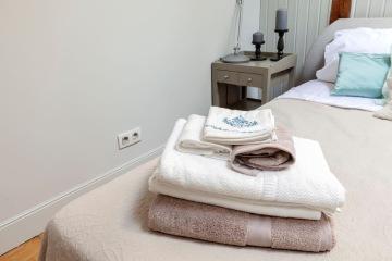 https://www.airbnb.es/rooms/15637914